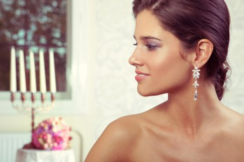 Timeless elegance in these stunning crystal wedding earrings