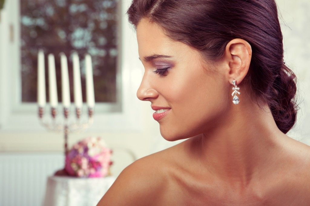 Alluring Crystal Drop Earrings with Bow