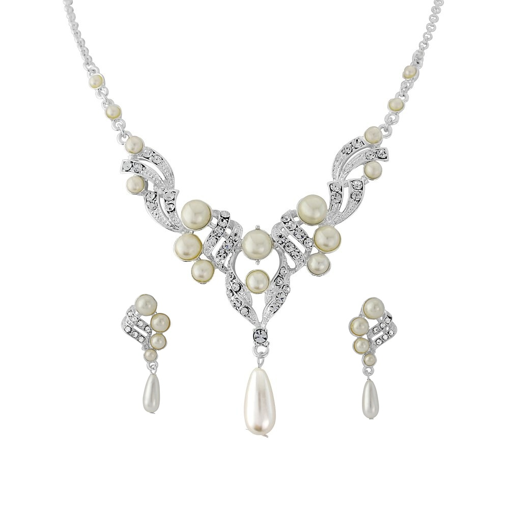 Crystal and Pearl Necklace Set